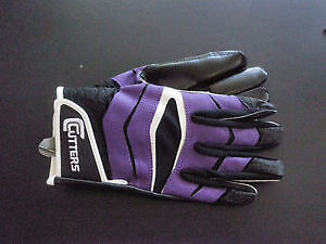 Brand New Cutters Football Gloves Kitchener / Waterloo Kitchener Area image 1