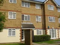 2 bedroom flat in Magpie Close, COLINDALE, NW9