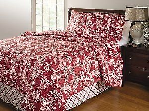 Queen size cotton quilt and shams set