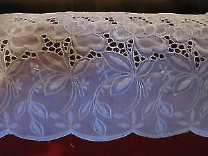 White Eyelet Window Valance, Extra Wide, New Condition!