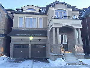 2Year-old Detached 4 Bedrms+Den 2 Garages@Woodbine/Major MacKenz