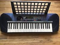 Yamaha PSR-140 Electric Keyboard.