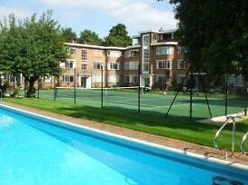 Hampton Ct-2 bed ground floor-Gated Art Deco-direct access to swimming pool, tennis ct and gardens