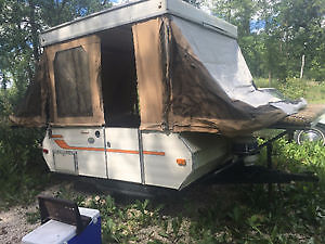 Looking for a popup camper trailer for parts
