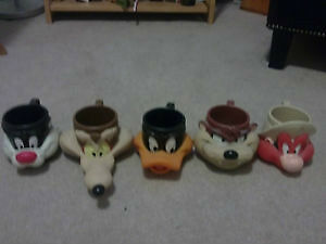 Looney Toons 3-D collector mugs 1992 ONLY 9$ each............... London Ontario image 1