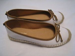 Brand New Naturalizer Shoes. Never worn - Size 5.5.