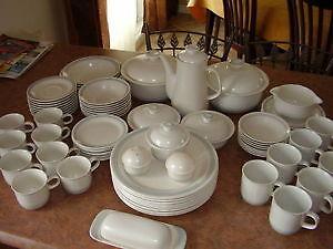 set de vaisselle 79 pièces