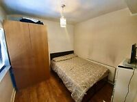 1 Bedroom Studio Apartment to let Central location