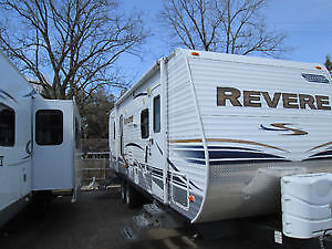 Shasta Revere Travel Trailer 30'