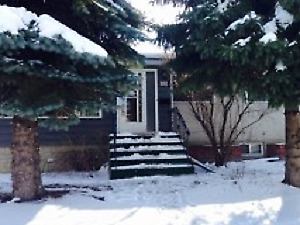Renovated 3 Bdrm Main in great north central Location!