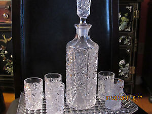 Pinwheel crystal decanter, tray & 5 shot glasses set