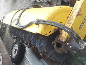 "SWEEPSTER BROOM - 72"" HYDRAULIC DRIVE FRONT MOUNT SWEEPER"