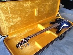 5 string Ibanez bass with case in great condition
