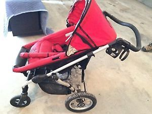 Rockstar stroller- with bassinet only  - great shape $160 Cambridge Kitchener Area image 1