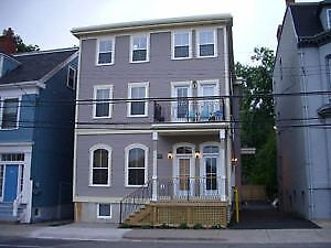 Great Queen St, 4 Bedroom, 2 Bath, 2 Levels Downtown! AVAIL SEPT