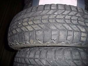 4 pneus d'hiver 175/70/13 Firestone Winterforce