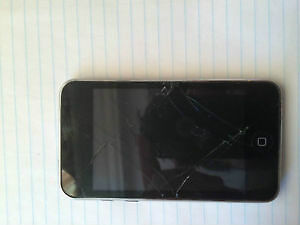 For sale:8gb iPod Touch 4rth generation