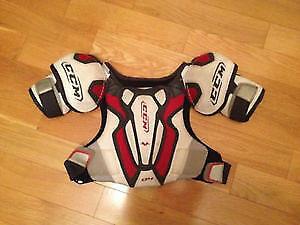 CCM Junior Shoulder Pads