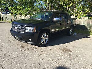 2010 Chevrolet Avalanche LTZ FULLY LOADED EXCELLENT CONDITION