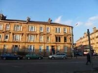 Traditional 3 bedroom 2nd floor flat on Paisley Road West Available Now