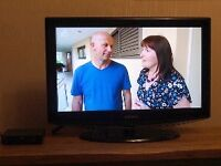 """Samsung 32"""" HD TV with Freeview Box"""