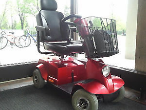 Fortress 1700 DT - 4 Wheel Scooter - Comes and Test Drive!   2