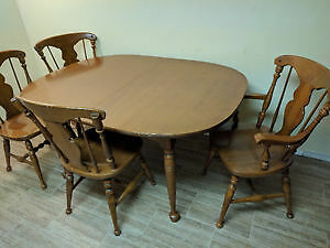 Vilas Maple Dining Room Table & Chairs