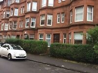 Traditional 1 bedroom ground floor flat on Battlefield Avenue - Available 16-07-2018