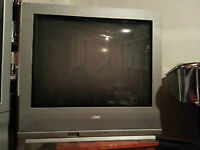 "32"" flat screen tv with remote"