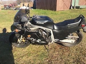 Parting Out Dec 1985 Suzuki GSXR750