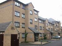 1 bedroom flat in Transom Square London E14