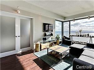 WATER VIEW BEAUTIFUL 2 BEDROOM CONDO 10 MINUTES TO DOWNTOWN
