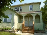 Large New Reno 2 br duplex and central A/C North End