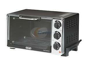 DELONGHI  MID SIZE TOASTER  &  CONVECTION  OVEN . Windsor Region Ontario image 3