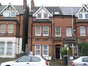2 double bedroom flat located within easy reach reach of Golders Green and Cricklwood