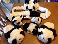Accessoires de Panda ( reste chapeau et pantoufle )