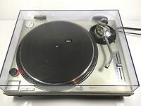 Technics 1200 turntable with lid in good condition all cables