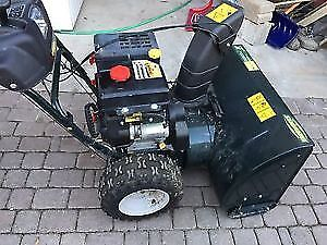 13.5 HP Yardworks Snowblower W/ 30 inch clearence