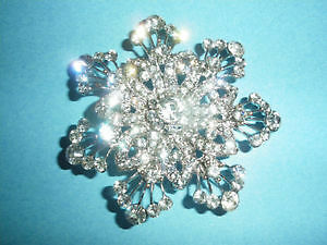 Diamond like brooch