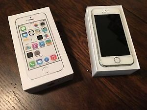 Iphone 5s 16 GB excellent shape - Bell network