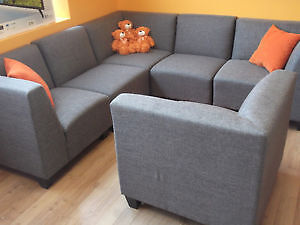 6 PC GREY RECEPTION AREA MODULAR SECTIONAL COUCHES - AS NEW