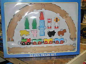 Wooden Train Set - 32 Pieces. London Ontario image 3
