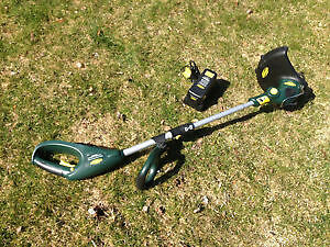 Yardworks 18V / 10-in Cordless Grass Trimmer/Edger London Ontario image 1