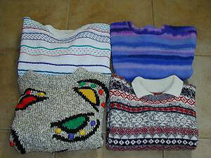 4 sweaters for youth : Size S / M : lots of other clothing