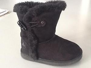 Black Airwalk boots for toddlers, size 6 London Ontario image 3