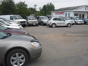 COMMERCIAL BUILDING GREAT FOR CAR LOT CALL 461 3657
