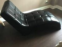 Icon Curved Black Chaise Lounge Seat