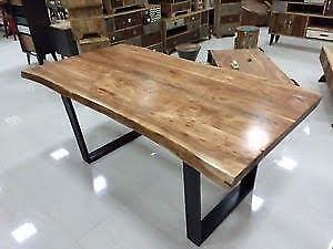 Table en acier brossé -dessus en bois de grange---- 514-912-3599