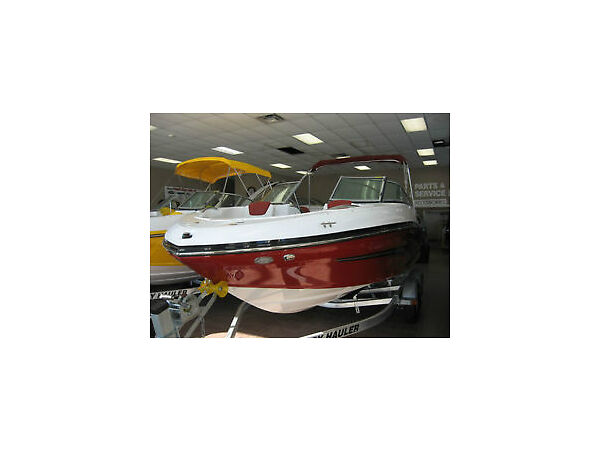 Used 2015 Rinker Boat Co FULL LINE CAPTIVAS , EXPRESS CRUISER