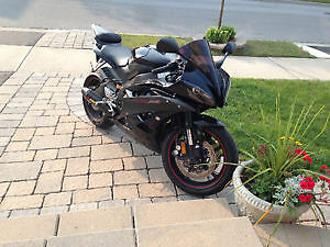 FULLY MODDED 2006 YZF-R6 RAVEN EDITION